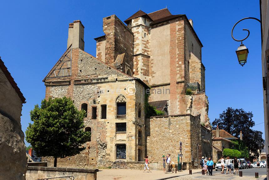 France, Allier (03), Moulins, Tour de la Mal-Coiffée de l'ancien château des ducs de Bourbon et ancienne prison // France, Allier, Moulins, Mal Coiffee Tower