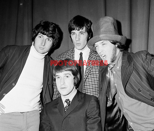 Kinks  1966 Pete Quaife, Mick Avory, Dave Davies an Ray Davies.© Chris Walter.