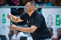 BARRANQUILLA - COLOMBIA. 15-10-2019: Tomas Diaz técnico de Titanes durante partido entre Titanes de Barranquilla y Cimarrones del Chocó como parte de la Liga Profesional de Baloncesto de Colombia 2019 realizado en el Coliseo Elías Chewing Barranquilla, Colombia. / Tomas Diaz coach of Titanes during match between Titanes de Barranquilla and Cimarrones del Choco as part of Professional Basketball League of Colombia 2019 played at Elias Chewing coliseum in Barranquilla, Colombia. Photo: VizzorImage / Alfonso Cervantes / Cont