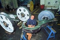- worker in the Rovetta Presse factory....- operaio nella fabbrica Rovetta Presse