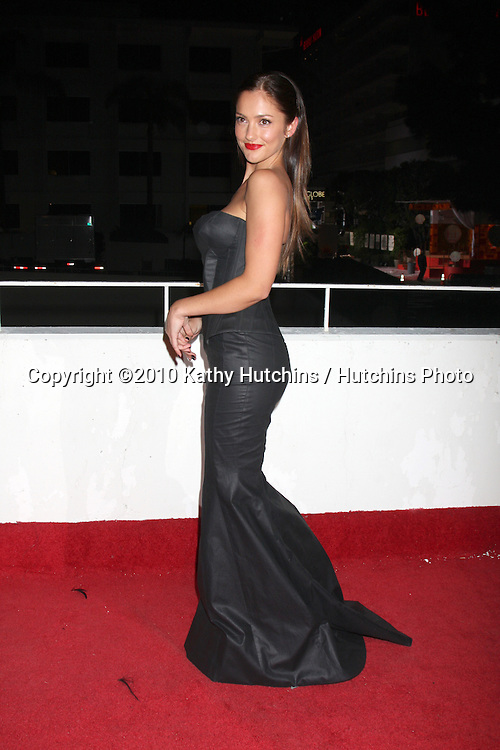 Minka Kelly.arriving at the 3rd Annual Art of Elysium Gala.Rooftop of Parking Garage across from Beverly Hilton Hotel.Beverly Hills, CA.January 16, 2010.©2010 Kathy Hutchins / Hutchins Photo....