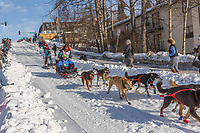 Mitch Seavey on Cordova St. hill during the Anchorage start day of Iditarod 2018 on Cordova St. hill during the Anchorage start day of Iditarod 2019
