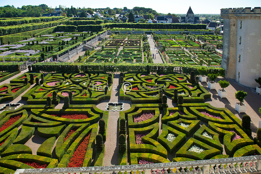 France, Indre-et-Loire (37), Val de Loire classé Patrimoine mondial de l'UNESCO, Villandry, jardins du château de Villandry propriété d'Henri et Angélique Carvallo, le potager ornemental // France, Indre et Loire, Val de Loire listed as World Heritage by UNESCO, Villandry, gardens of the Chateau de Villandry property of Henri and Angelique Carvallo, the decorative kitchen garden