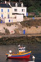 Europe/France/Bretagne/56/Morbihan/Belle-île/Sauzon: Le port de pêche, casayeur et maison