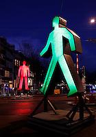Nederland Amsterdam 2015 14 01.  Amsterdam Light Festival. Strangers in the Light van Victor Engbers en Ina Smits