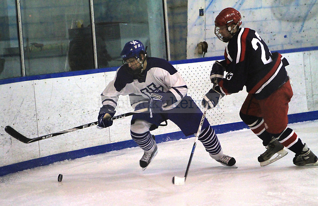 The UK Wildcats take on the Dayton Flyers at Lexington Ice Center on Sunday, Jan. 31, 2010. Photo by Adam Wolffbrandt | Staff