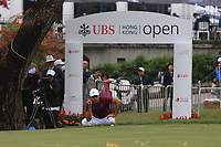 Julian Suri (USA) on the 18th green during Round 3 of the UBS Hong Kong Open, at Hong Kong golf club, Fanling, Hong Kong. 25/11/2017<br /> Picture: Golffile | Thos Caffrey<br /> <br /> <br /> All photo usage must carry mandatory copyright credit     (&copy; Golffile | Thos Caffrey)