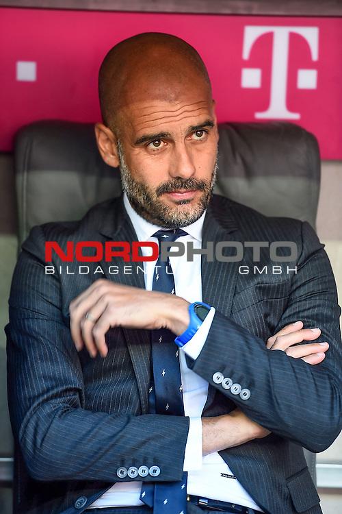 12.09.2015, Allianz Arena, M&uuml;nchen, GER, 1. FBL, FC Bayern M&uuml;nchen vs. FC Augsburg<br /> Trainer Josep Guardiola (M&uuml;nchen)<br /> <br /> <br /> Foto &copy; nordphoto /  Bratic