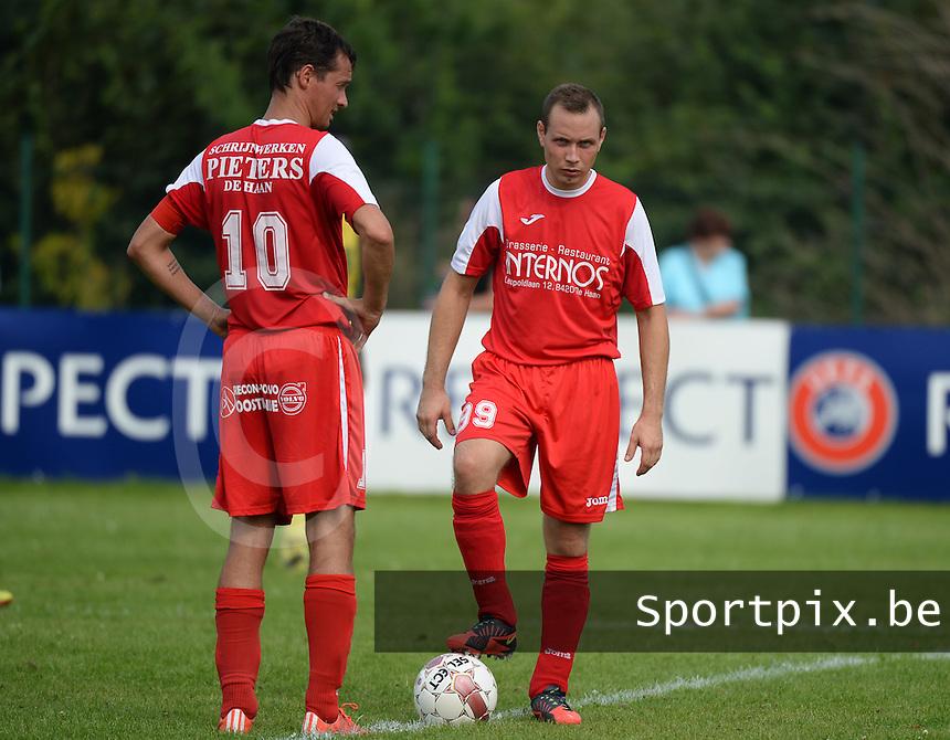 KE De Haan : Dimitri Delporte (links) en Niek Decraecke (r) aan de aftrap<br /> Foto VDB / Bart Vandenbroucke