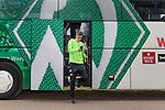 17.05.2018, Stadion am Auetal, Ahlerstedt, GER, FSP, Auswahl Ahlerstedt / Ottendorf vs SV Werder Bremen<br /> <br /> im Bild<br /> Aron J&oacute;hannsson / Johannsson (Werder Bremen #09) steigt aus dem Mannschaftsbus aus, <br /> <br /> Foto &copy; nordphoto / Ewert
