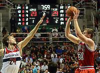 RIO DE JANEIRO RJ, 12.10.2013 - Chicago Bulls vs. Washington Wizards  -  do  Chicago Bulls  durante partida contra o Wizards  válida pela pré-temporada da NBA 2013/2014  no HSBC ARENA  na cidade do Rio de Janeiro , neste sabado, 12. (FOTO: ALAN MORICI / BRAZIL PHOTO PRESS)