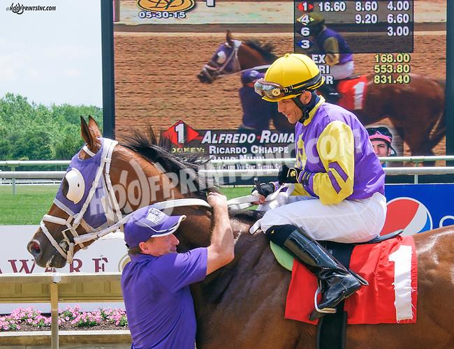 Alfredo Romana winning at Delaware Park on 5/30/15