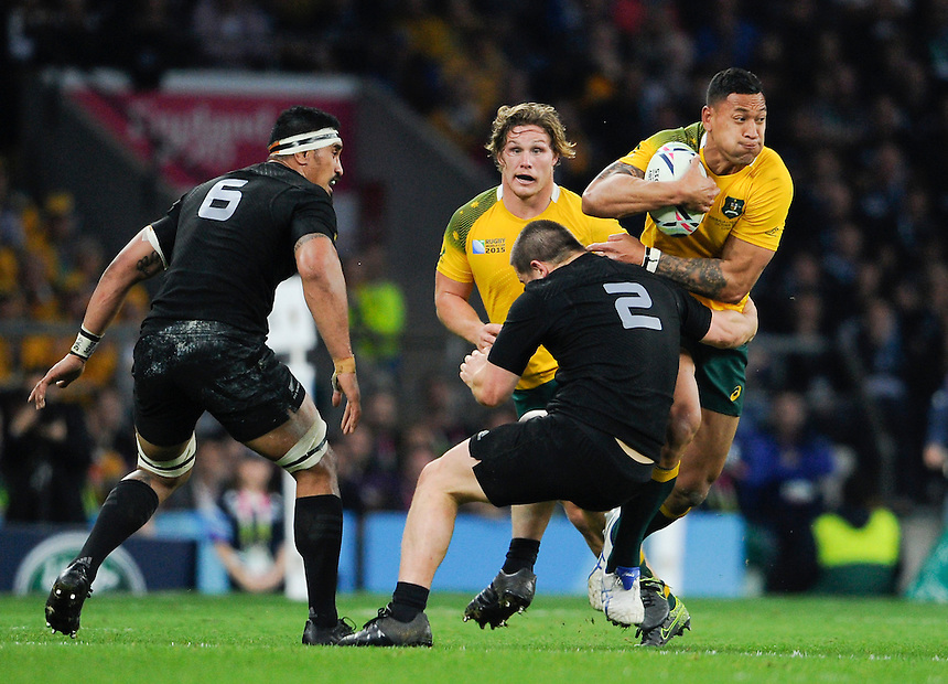 Australia's Israel Folau is tackled by New Zealand's Dane Coles<br /> <br /> Photographer Ashley Western/CameraSport<br /> <br /> Rugby Union - 2015 Rugby World Cup Final - New Zealand v Australia - Saturday 31st October 2015 - Twickenham - London<br /> <br /> &copy; CameraSport - 43 Linden Ave. Countesthorpe. Leicester. England. LE8 5PG - Tel: +44 (0) 116 277 4147 - admin@camerasport.com - www.camerasport.com