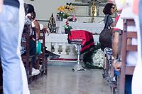 RIO DE JANEIRO,RJ, 24.01.2019 - VELORIO-CAIO JUNQUEIRA - Amigos e parentes chegaram ao Cemitério São João Batista para se despedir o ator Caio Junqueira, que veio a obto ontem devido a um grave acidente de carro que sofreu há uma semana no Aterro do Flamengo, região de Botafogo, zona sul do Rio de Janeiro (Foto: Vanessa Ataliba/Brazil Photo Press)