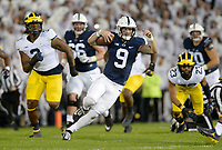 STATE COLLEGE, PA - OCTOBER 21:  Penn State QB Trace McSorley (9) cuts during a long run. The Penn State Nittany Lions defeated the Michigan Wolverines 42-13 on October 21, 2017 at Beaver Stadium in State College, PA. (Photo by Randy Litzinger/Icon Sportswire)