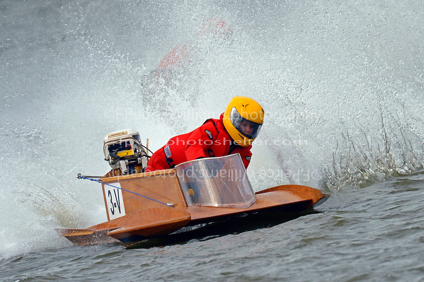 3-V   (Outboard Hydroplane)