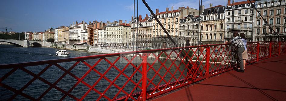 Europe/France/Rhône-Alpes/69/Rhone/Lyon: Passerelle Saint Georges et quai de Saone