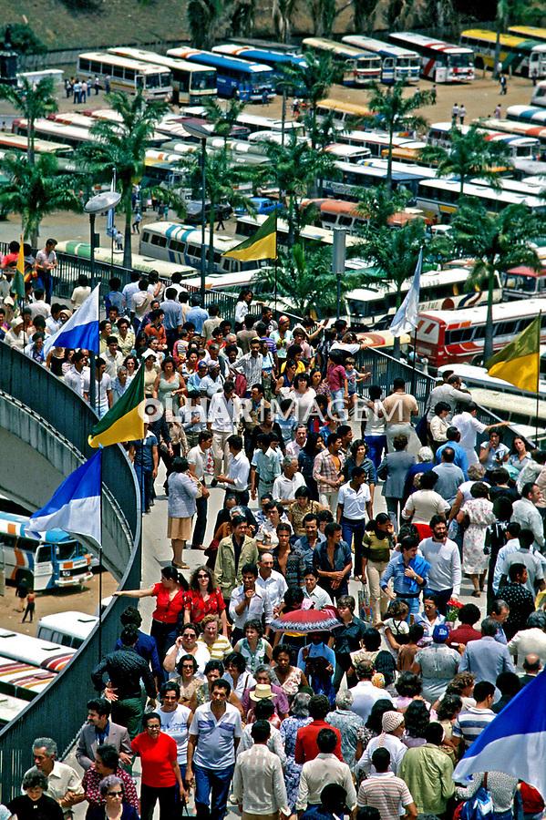 Romeiros em Aparecida do Norte, São Paulo. 1985. Foto: Juca Martins.