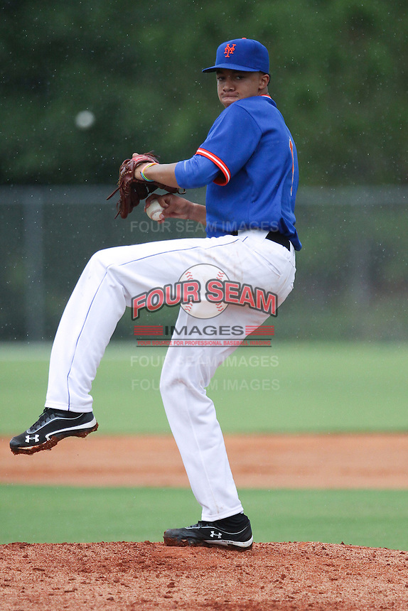 Devin Williams, #1 of Hazelwood West High School, Missouri playing for the Mets Scout Team during the WWBA World Champsionship 2012 at the Roger Dean Complex on October 25, 2012 in Jupiter, Florida. (Stacy Jo Grant/Four Seam Images)..