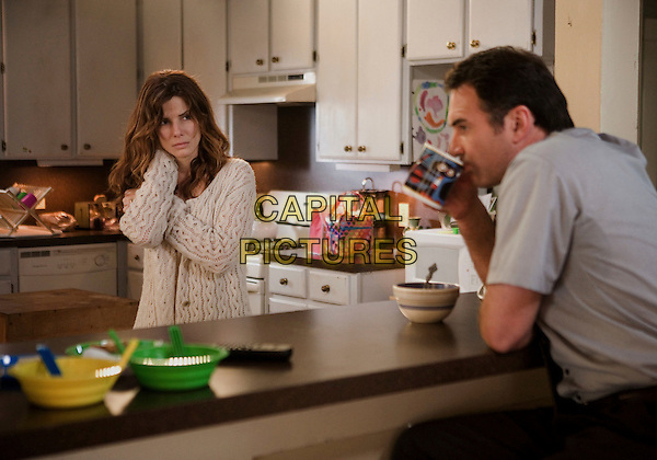 SANDRA BULLOCK & JULIAN McMAHON.in Premonition .**Editorial Use Only**.CAP/FB.Supplied by Capital Pictures