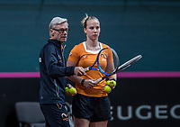 Bratislava, Slovenia, April 23, 2017,  FedCup: Slovakia-Netherlands, Practise Dutch team, Coach Martin Bohm with Richel Hogenkamp<br /> Photo: Tennisimages/Henk Koster