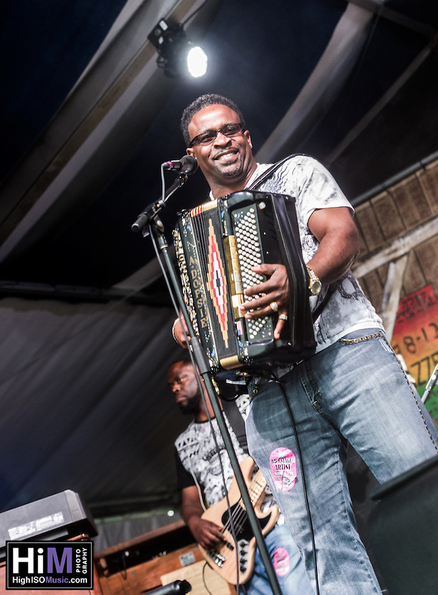 Rockin' Dopsie performs at Jazz Fest 2016.