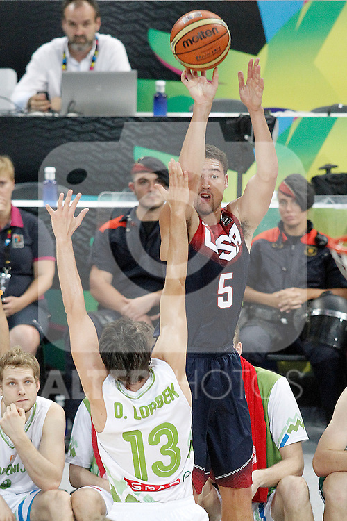Slovenia's Domen Lorbek (l) and USA's Klay Thompson during 2014 FIBA Basketball World Cup Quarter-Finals match.September 9,2014.(ALTERPHOTOS/Acero)