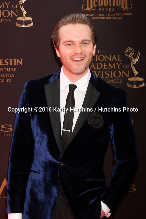 LOS ANGELES - MAY 1:  Van Hansis at the 43rd Daytime Emmy Awards at the Westin Bonaventure Hotel  on May 1, 2016 in Los Angeles, CA