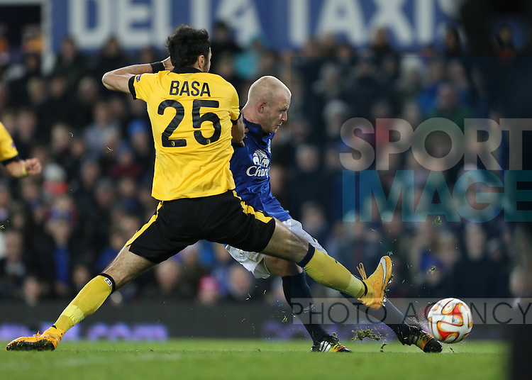 Steven Naismith of Everton scores the third goal - UEFA Europa League - Everton vs  Lille - Goodison Park Stadium - Liverpool - England - 6th November 2014 - Pic Simon Bellis/Sportimage