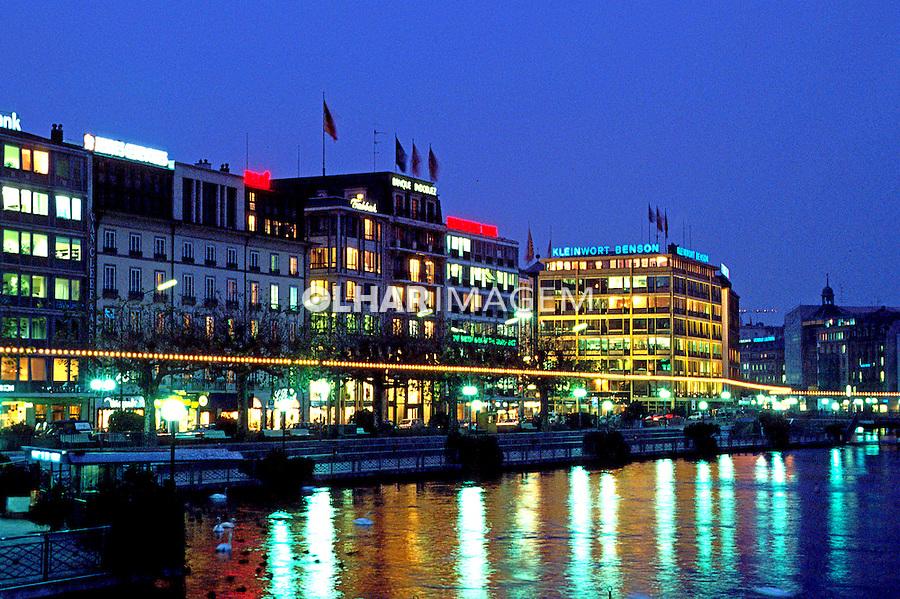 Cidade e lago de Genebra. Suíça. 1998. Foto de Stefan Kolumban.