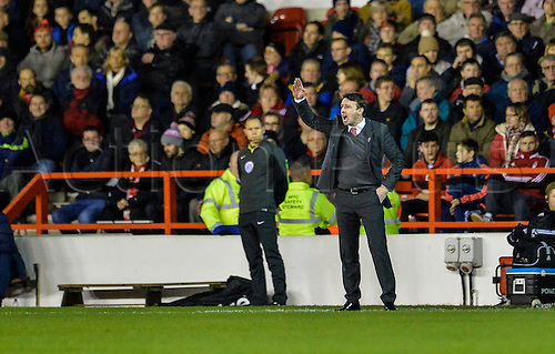 26.01.2016. City Ground, Nottingham, England. Skybet Championship. Nottingham Forest versus Queens Park Rangers. Nottingham Forest manager Billy Davis commands his team from the sidelines.