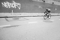 Tim Wellens (BEL/Lotto Soudal) on the attack in the streets of Seraing<br /> <br /> 103rd Li&egrave;ge-Bastogne-Li&egrave;ge 2017 (1.UWT)<br /> One Day Race: Li&egrave;ge &rsaquo; Ans (258km)