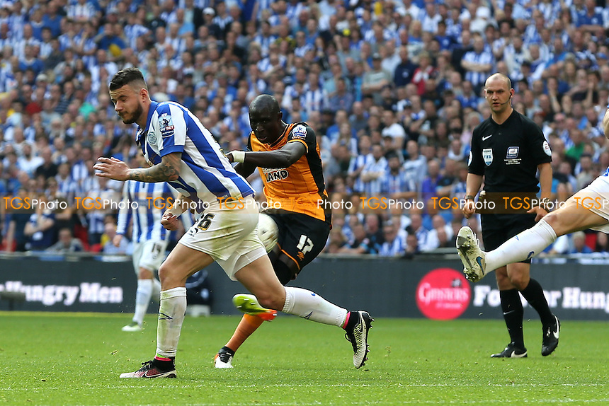 Mohamed Diame of Hull City scores the opening goal during Hull City vs Sheffield Wednesday, Sky Bet Championship Play-Off Final Football at Wembley Stadium on 28th May 2016