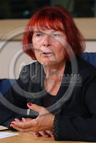 BRUSSELS-BELGIUM - September 10, 2003---The Chairwoman of the Committee on Economic and Monetary Affairs in the European Parliament, MEP Christa RANDZIO-PLATH (PES, D) during a press briefing in the EP in Brussels---Photo: Horst Wagner/eup-images. com