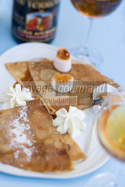 Europe/France/Bretagne/35/Ille et Vilaine/Ren nes: crêpe Chamallow de la Crèperie Saint-Georges - caramel au beurre salé, chamalow caramelisé, glace chocolat blanc