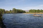 Yakima River as it flows through Yakima, Yakima Greenway, riverfront trail, natural area, Eastern Washington, Yakima County, Washington State, Pacific Northwest, United States, tributary of the Columbia River,