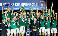 15th March 2014; Ireland players celebrate with the cup. RBS Six Nations, France v Ireland, Stade de France, St Denis, Paris. Picture credit: Tommy Grealy/actionshots.ie.