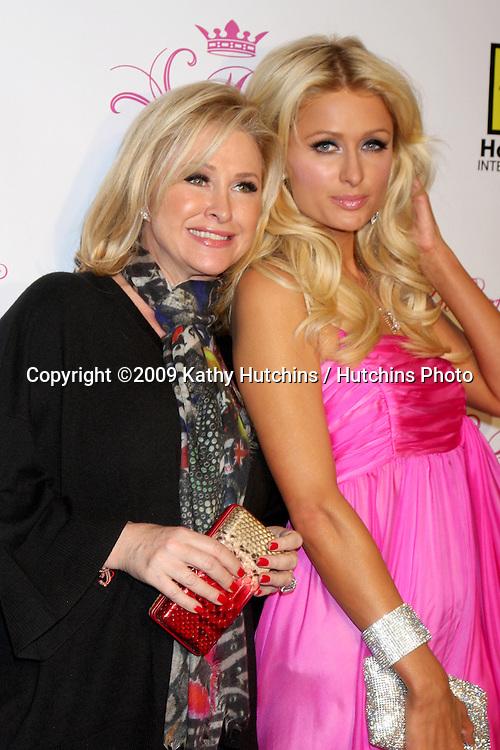 Kathy & Paris Hilton.arriving at the Paris Hilton Beauty Line Launch Party.Thompson Hotel.Beverly Hills,  CA.November 17, 2009.©2009 Kathy Hutchins / Hutchins Photo.
