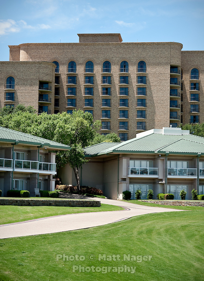 The Four Seasons Resort and Spa in Irving, Texas, Sunday, May 2, 2010. Four Seasons couldn't abstain from cost cutting in this downturn as it had in previous recessions because the worst hotel market in decades left the company last year with a 26% decline in revenue per available room in the U.S. Similarly, its occupancy fell to 57% from its usual perch above 70%...CREDIT: Matt Nager for The Wall Street Journal.CREDIT: Matt Nager for The Wall Street Journal