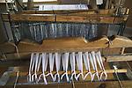 Węgorzewo, 2007-08-07. Krosna do wyrobu tkanin - Muzeum Kultury Ludowej - Park Etnograficzny w Węgorzewie.