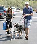 3-22-08  .BRAD GARRETT WALKING HIS DOGS AND HIS.WIFE IN MALIBU.ABILITYFILMS@YAHOO.COM.805-427-3519.WWW.ABILITYFILMS.COM