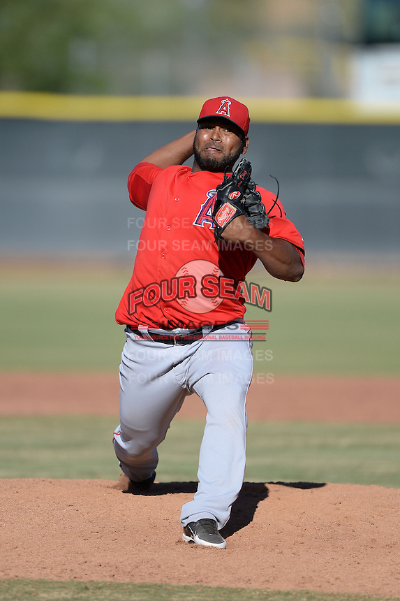 Los Angeles Angels pitcher Jairo Diaz (48) during an Instructional League game against the Milwaukee Brewers on October 11, 2013 at Tempe Diablo Stadium Complex in Tempe, Arizona.  (Mike Janes/Four Seam Images)