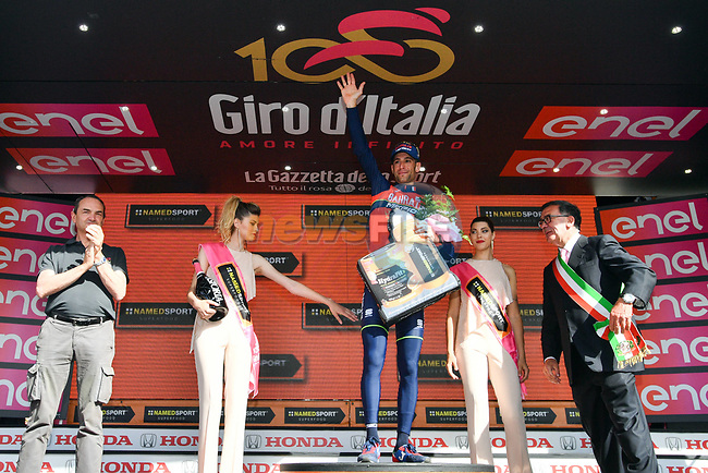 Vincenzo Nibali (ITA) Bahrain-Merida wins Stage 16 of the 100th edition of the Giro d'Italia 2017, running 222km from Rovetta to Bormio, Italy. 23rd May 2017.<br /> Picture: LaPresse/Massimo Paolone | Cyclefile<br /> <br /> <br /> All photos usage must carry mandatory copyright credit (&copy; Cyclefile | LaPresse/Massimo Paolone)