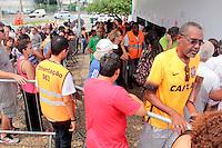 SÃO PAULO,SP, CARNAVAL-SP - Movimentação para compra de ingressos para o Carnaval 2016 na bilheterias do Anhembi zona norte da cidade, na tarde desta quinta-feira (04). ( Foto : Marcio Ribeiro / Brazil Photo Press).