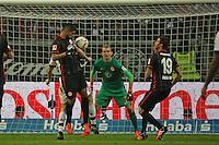 Carlos ZAmbrano (Eintracht) klaert - Eintracht Frankfurt vs. FC Bayern Muenchen, Commerzbank Arena