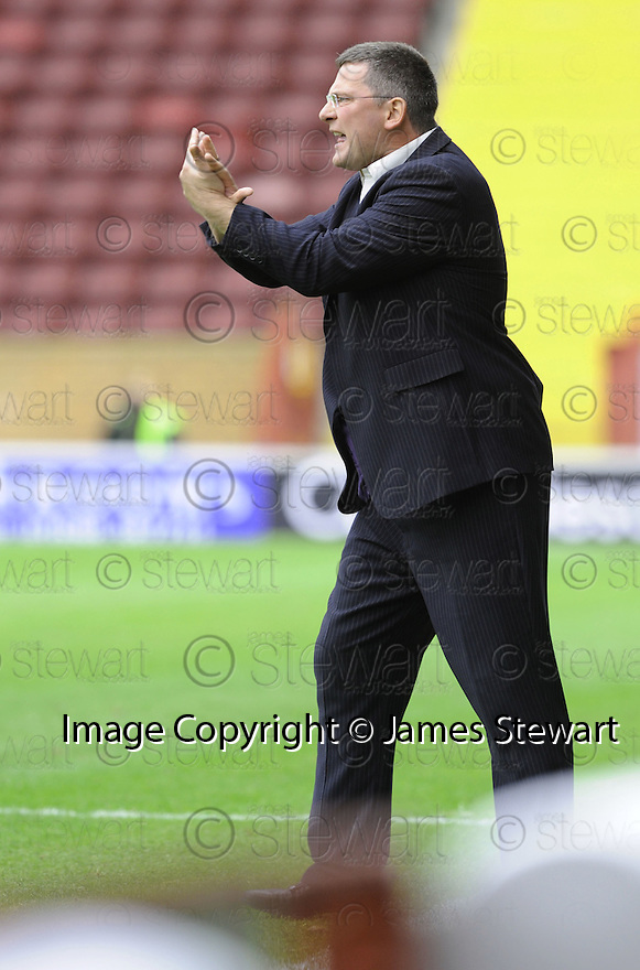 23/08/2008  Copyright Pic: James Stewart.File Name : sct_jspa23_motherwell_v_dundee_utd.DUNDEE UTD MANAGER CRAIG LEVEIN DURING THE GAME AGAINST MOTHERWELL.James Stewart Photo Agency 19 Carronlea Drive, Falkirk. FK2 8DN      Vat Reg No. 607 6932 25.James Stewart Photo Agency 19 Carronlea Drive, Falkirk. FK2 8DN      Vat Reg No. 607 6932 25.Studio      : +44 (0)1324 611191 .Mobile      : +44 (0)7721 416997.E-mail  :  jim@jspa.co.uk.If you require further information then contact Jim Stewart on any of the numbers above........