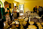Country House Auction at Newnham Hall Northamptonshire 1994. Chritsies auction 1990s UK. <br /> PEOPLE VIEWING GLASSWARE & CHINA ON DISPLAY IN THE SNOOKER ROOM FOR COUNTRY HOUSE AUCTION,