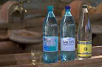 Europe/France/Auvergne/03/Allier/Vichy: Détail bouteilles d'eau minérales