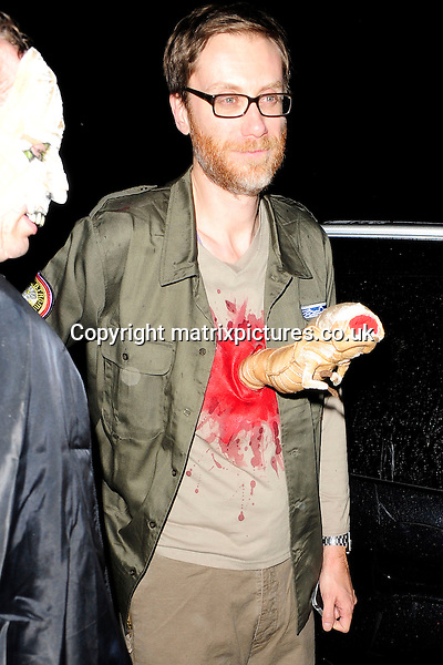 NON EXCLUSIVE PICTURE: MATRIXPICTURES.CO.UK<br /> PLEASE CREDIT ALL USES<br /> <br /> WORLD RIGHTS<br /> <br /> English comedian Stephen Merchant attending Jonathan Ross' annual Halloween party at his North London home.<br /> <br /> OCTOBER 31st 2013<br /> <br /> REF: ASI 137101