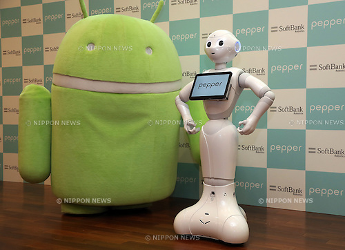 "May 19, 2016, Tokyo, Japan - Japanese telecom giant Softbank's humanoid robot Pepper (R) poses with Google's Android mascot at the Softbank headquarters in Tokyo on Thursday, May 19, 2016. Pepper will support Google's Android OS, and that presales of models for developers will begin from July 2016. And SoftBank will offer a software development kit ""Pepper SDK for Android Studio"" which enables the development of RoboApps on the Android platform.  (Photo by Yoshio Tsunoda/AFLO) LWX -ytd-"
